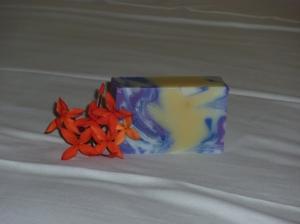 Savon Bleuet fleur exotique
